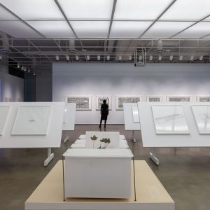 Photographie de l'exposition « La précision du vague » présentée au Centre de design en 2019. Crédit de l'image : Michel Brunelle 2018-2019, Exposition, Centre de design, urbanisme, architecture