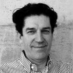 """Portrait photo de Jean-Pierre Chupin - Commissaire de l'exposition """"Devoirs d'architecture"""""""